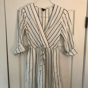 ANN TAYLOR BLACK/WHITE STRIPED MIDI DRESS